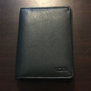 Tumi wallet/card case EUC